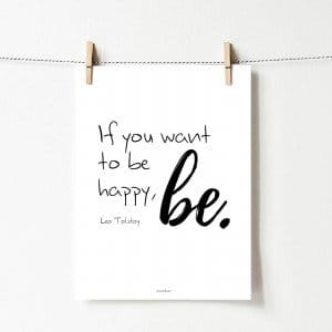 Plakat z cytatem: Be happy